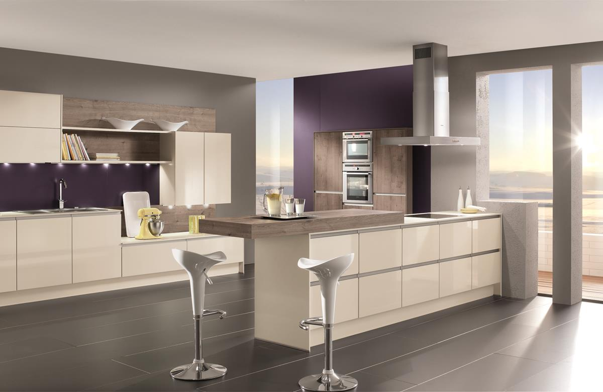 High gloss dirragh kitchens and interiors for Kitchen designs high gloss