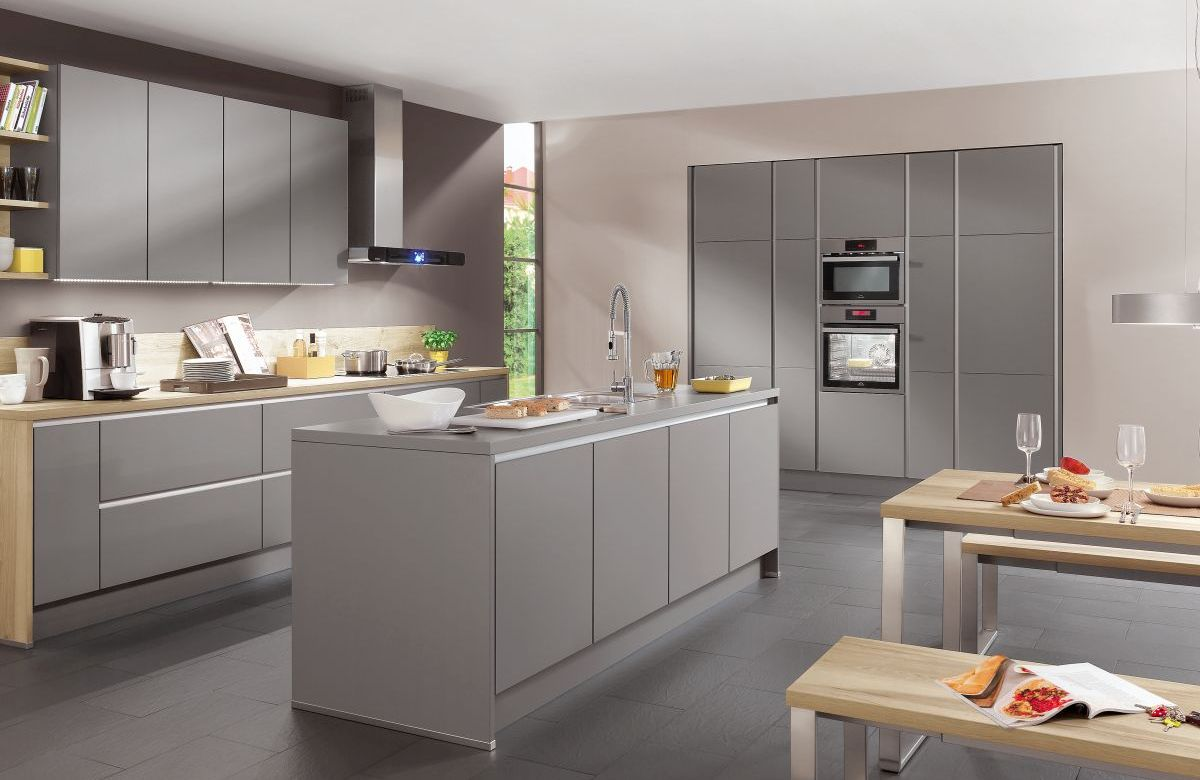 Handleless dirragh kitchens and interiors for Light grey modern kitchen